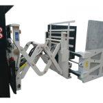 Abrazaderas de cartón con desplazamiento lateral
